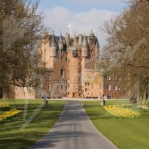 Glamis Castle & Daffodils, Angus Greetings Card (CB)